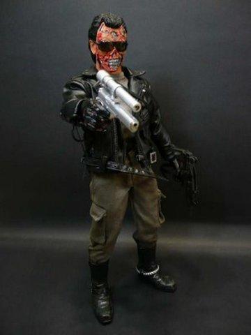 Terminator - T-800 Battle Damaged
