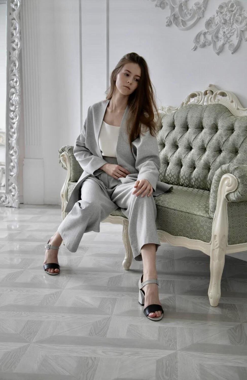 Жакет-планка со спущенным плечом, жемчужно-серый
