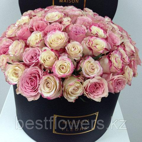 Розы Свитнесс в коробке Maison Des Fleurs