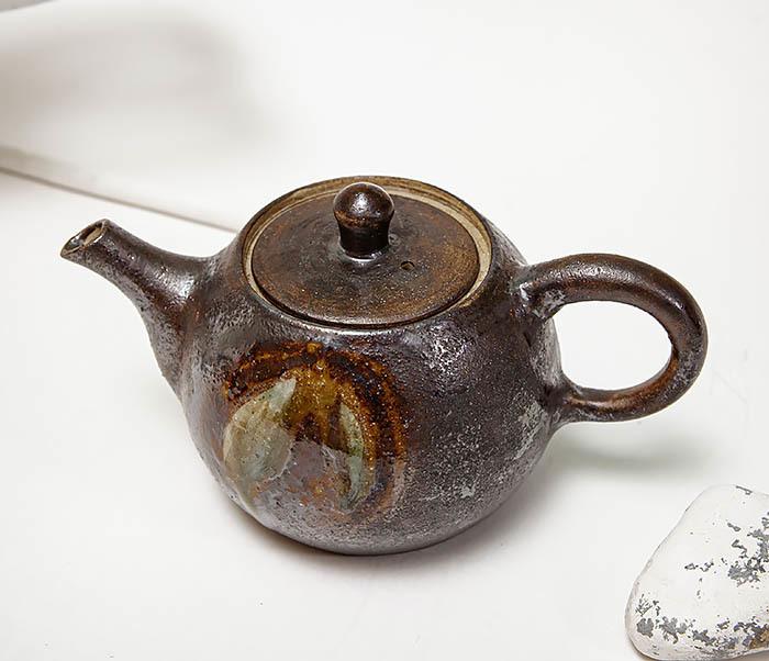 POT101 Маленький чайник из керамики ручной работы фото 03