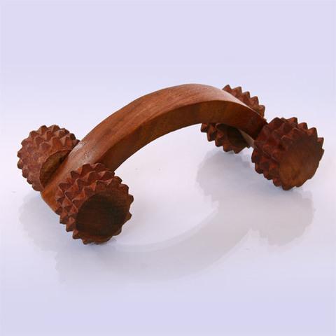 Массажёр деревянный для тела 4 колючих колесика