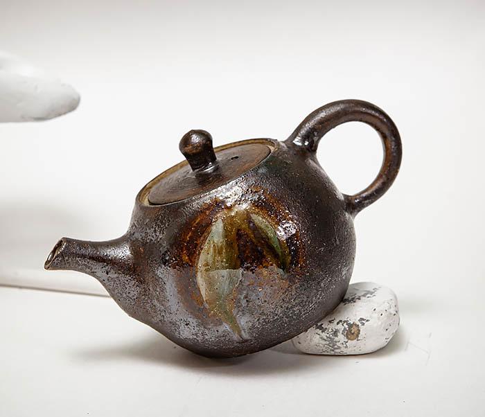 POT101 Маленький чайник из керамики ручной работы фото 05