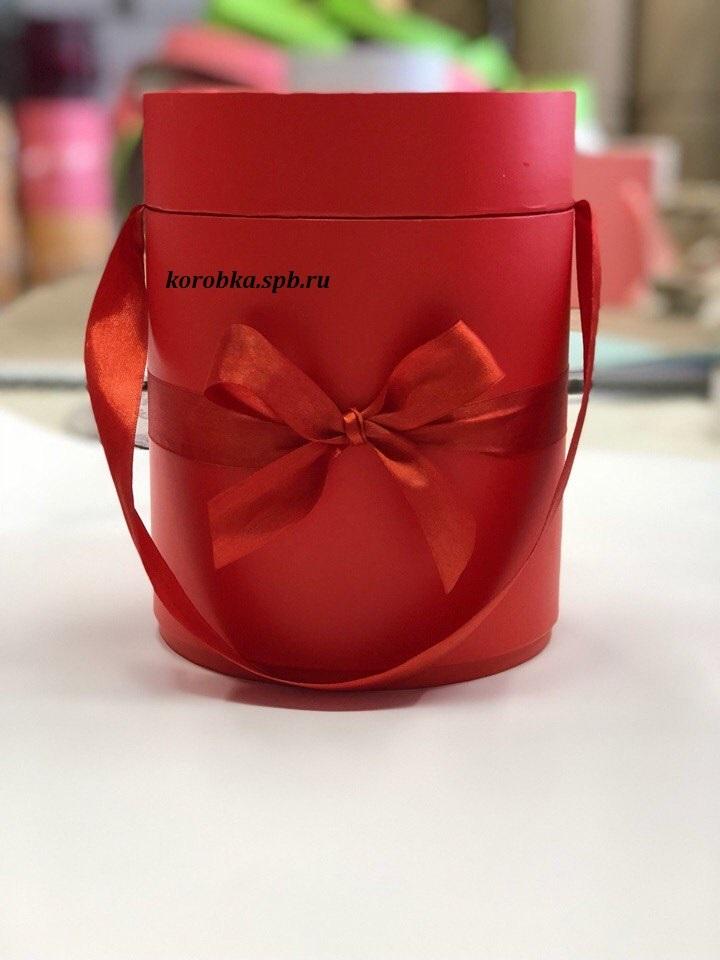 Шляпная коробка D18 см Цвет: красный .  Розница 450  рублей .