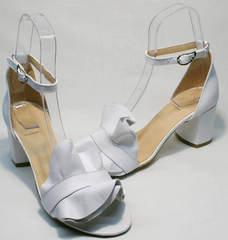 Модные женские сандалии босоножки с закрытой пяткой на каблуке Ari Andano K-0100 White