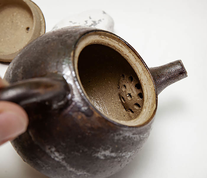 POT101 Маленький чайник из керамики ручной работы фото 10