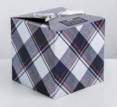 Складная коробка «Особенный подарок», 18 × 18 × 18 см, 1 шт.