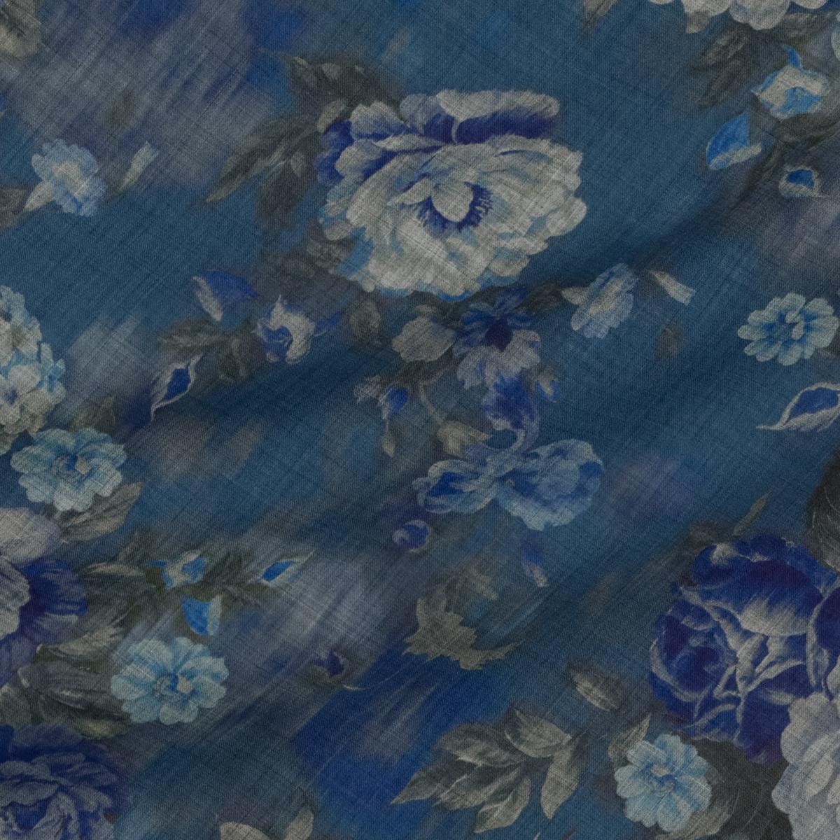 Тонкая шерстяная ткань с цветами в синих оттенках