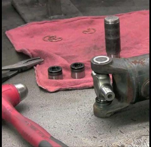 Замена крестовин карданного вала Land Cruiser 70