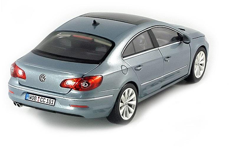 Коллекционная модель Volkswagen Passat CC 2011