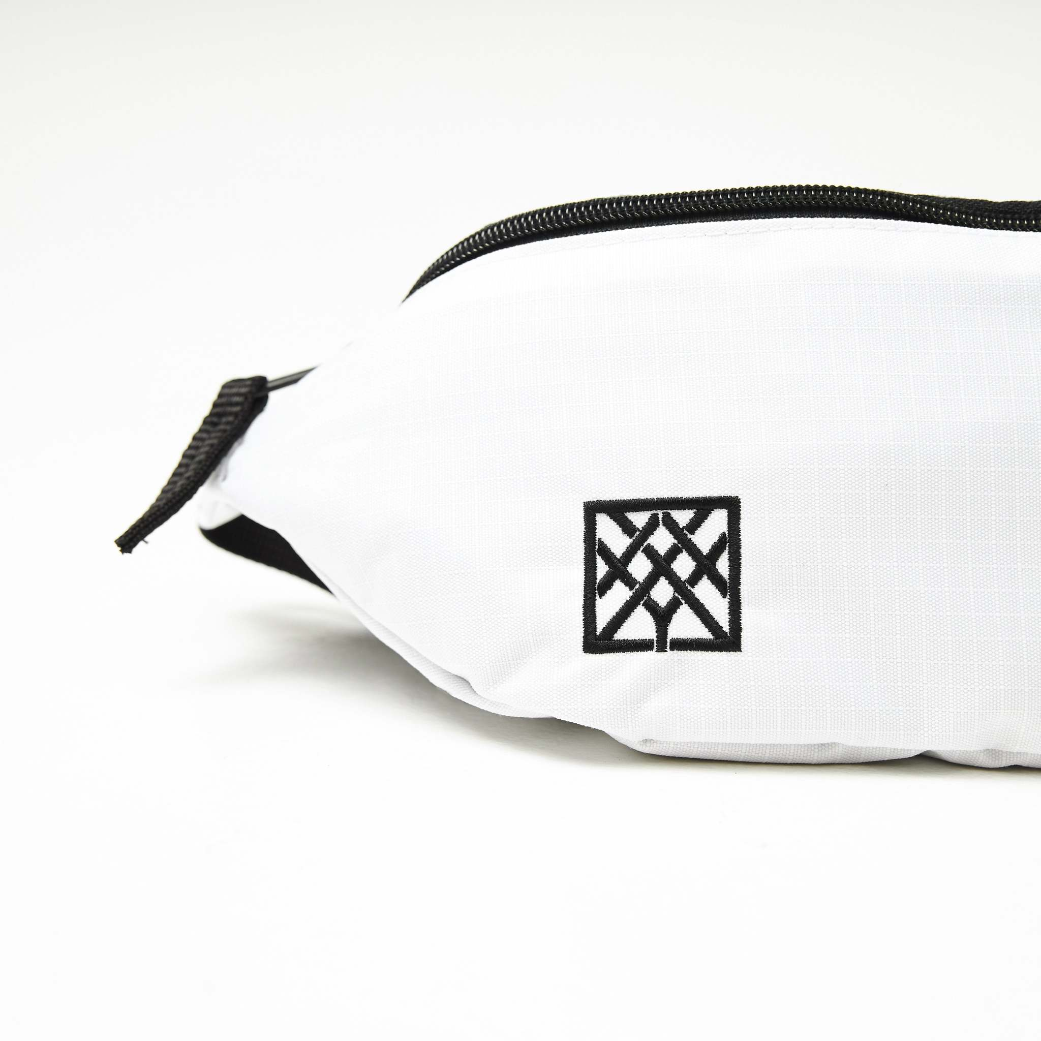 Поясная сумка Oxxxyshop белая