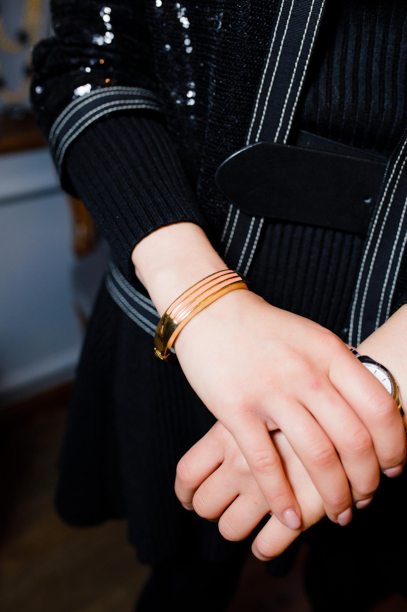 Жесткий стильный браслет Givenchy, 1979 г.