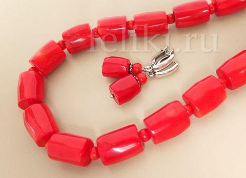 бусы из крупного красного коралла и серьги
