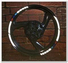 Светоотражающие наклейки на обод колеса