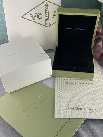 Упаковка Van Cleef