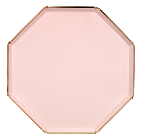 Тарелки светло-розовые