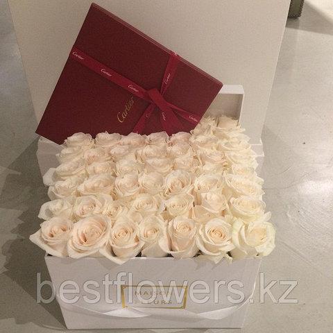 Коробка Maison Des Fleurs с розами 11