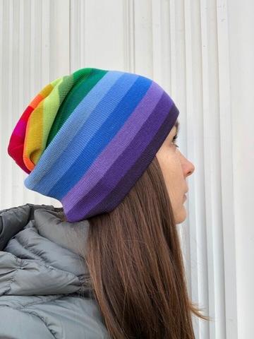 Радужная шапка бини для зимы