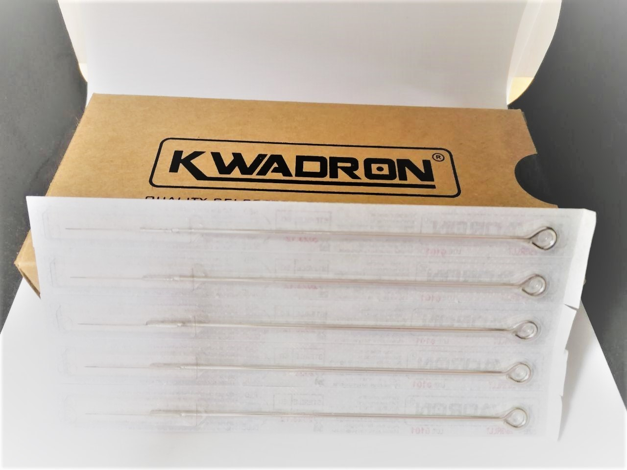"""Иглы татуировочные """" KWADRON 0.25mm long taper - 3RL"""" длинная заточка"""
