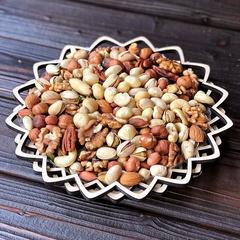 Ассорти орехов без макадамии в корзине 420 гр.