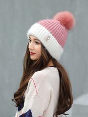 Вязаная женская шапка с помпоном (белая/ розовая)