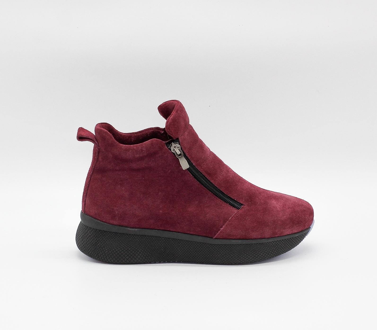Зимние бордовые ботинки из натурального велюра на платформе