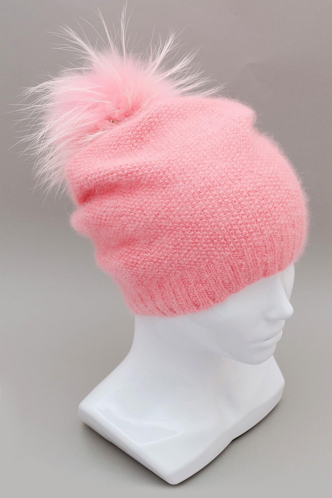 Вязаная шапочка бини ручного крашения нежно-розового цвета