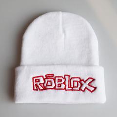 Вязаная шапка с отворотом и вышивкой Roblox (Роблокс), белая