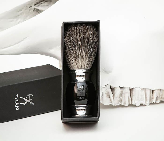 RAZ488-1 Помазок «TITAN» из барсучего волоса, рукоятка смола (черный) фото 02