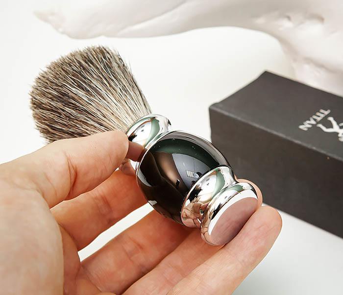 RAZ488-1 Помазок «TITAN» из барсучего волоса, рукоятка смола (черный) фото 06