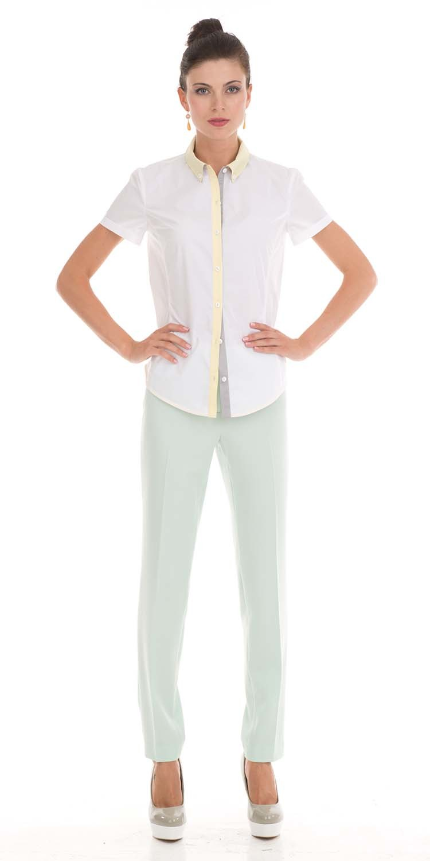 Блуза Г503а-309 - Классическая приталенная блуза из белого хлопка легко может стать частью делового гардероба. А модная отделка в виде цветного воротника и планки приглушенных тонов, придаст этому изделию неповторимость и оригинальность.