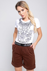 <p>Классные модные шорты удобного кроя на резинке!</p>