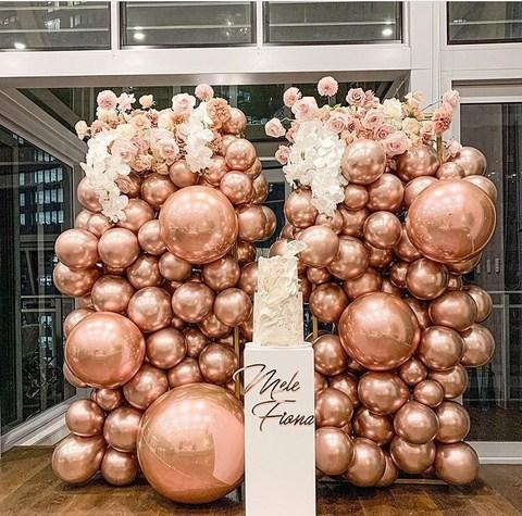Фотозона из шаров розовое золото