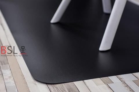Защитный коврик под кресло 900x900 мм черный