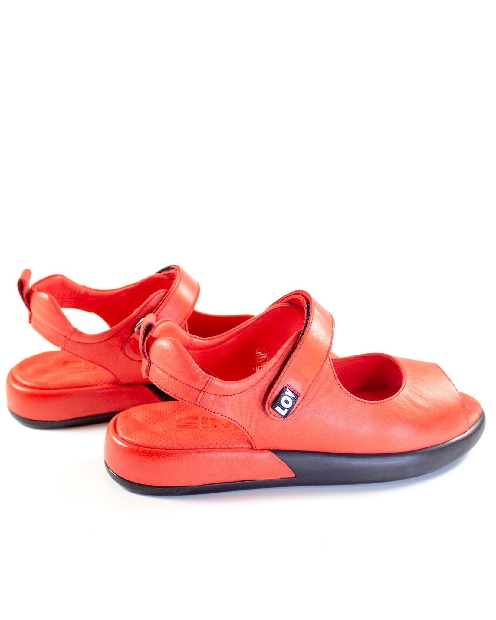 красные сандалии SM