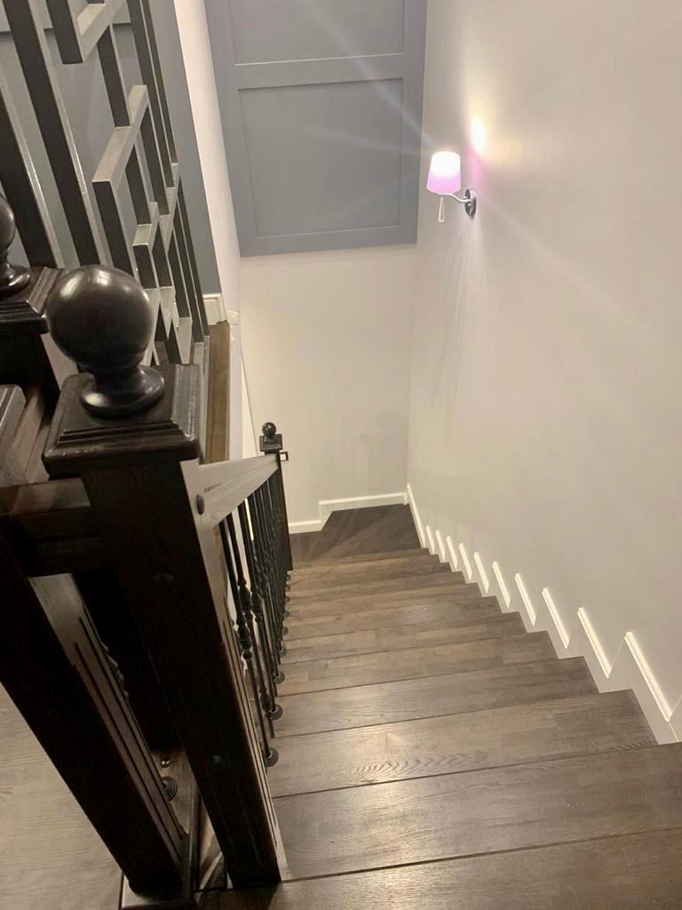Отделка бетонной лестницы ясенем. Проект №15