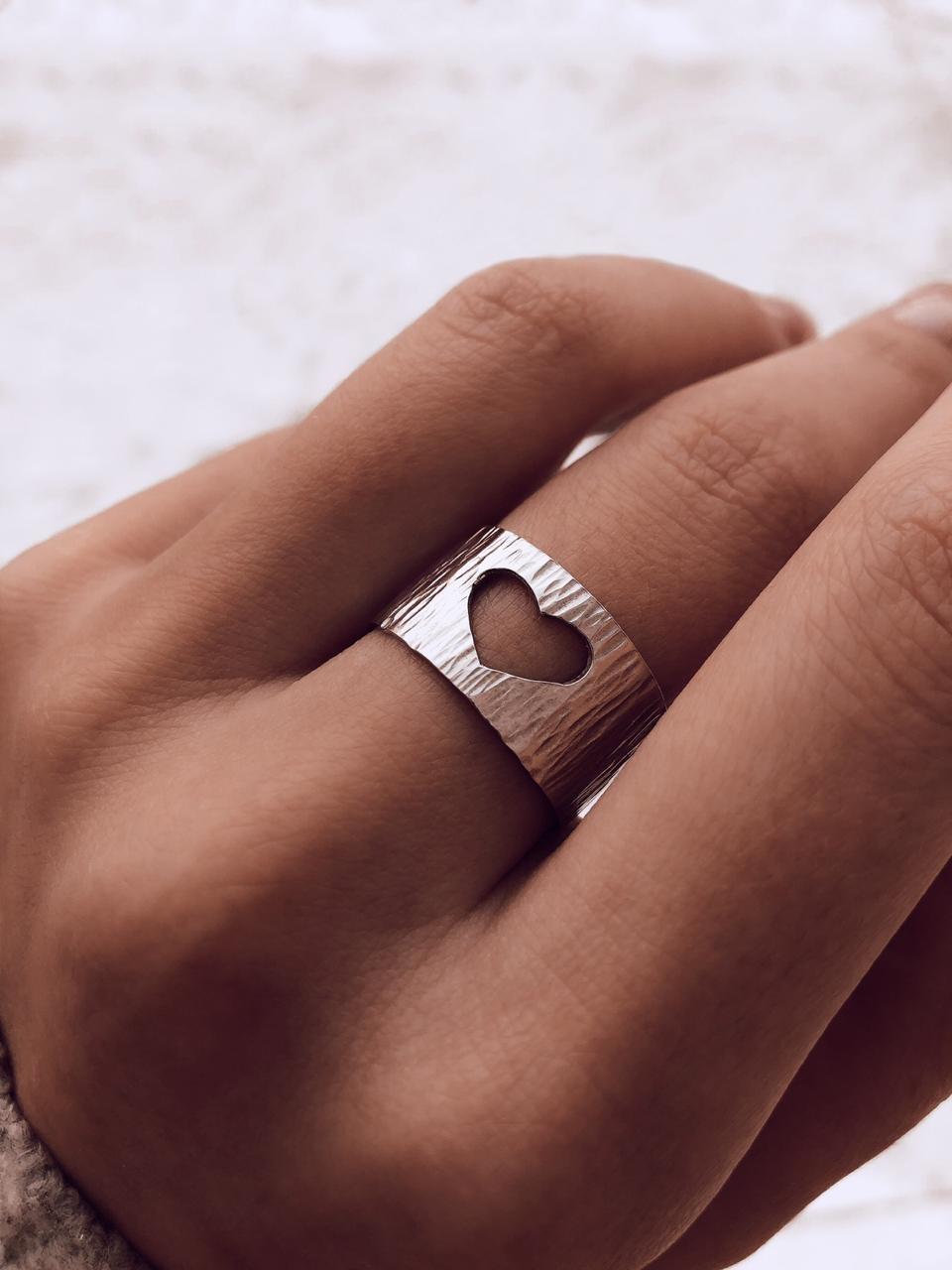 Серебряное рифленое кольцо