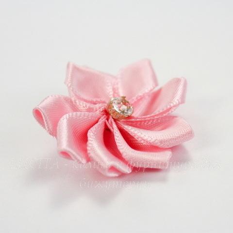 Цветочек розовый со стразом 30 мм