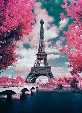 Алмазная Мозаика 40x50 Эйфелева башня в розовых красках (арт. GA74929 )