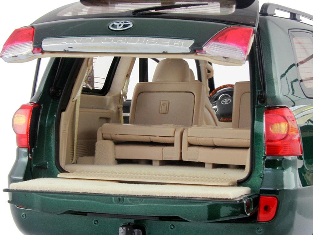 Коллекционная модель Toyota Land Cruiser 200 2012