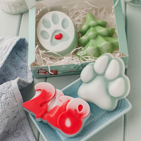 Пластиковая форма для мыла в виде новогодней елки