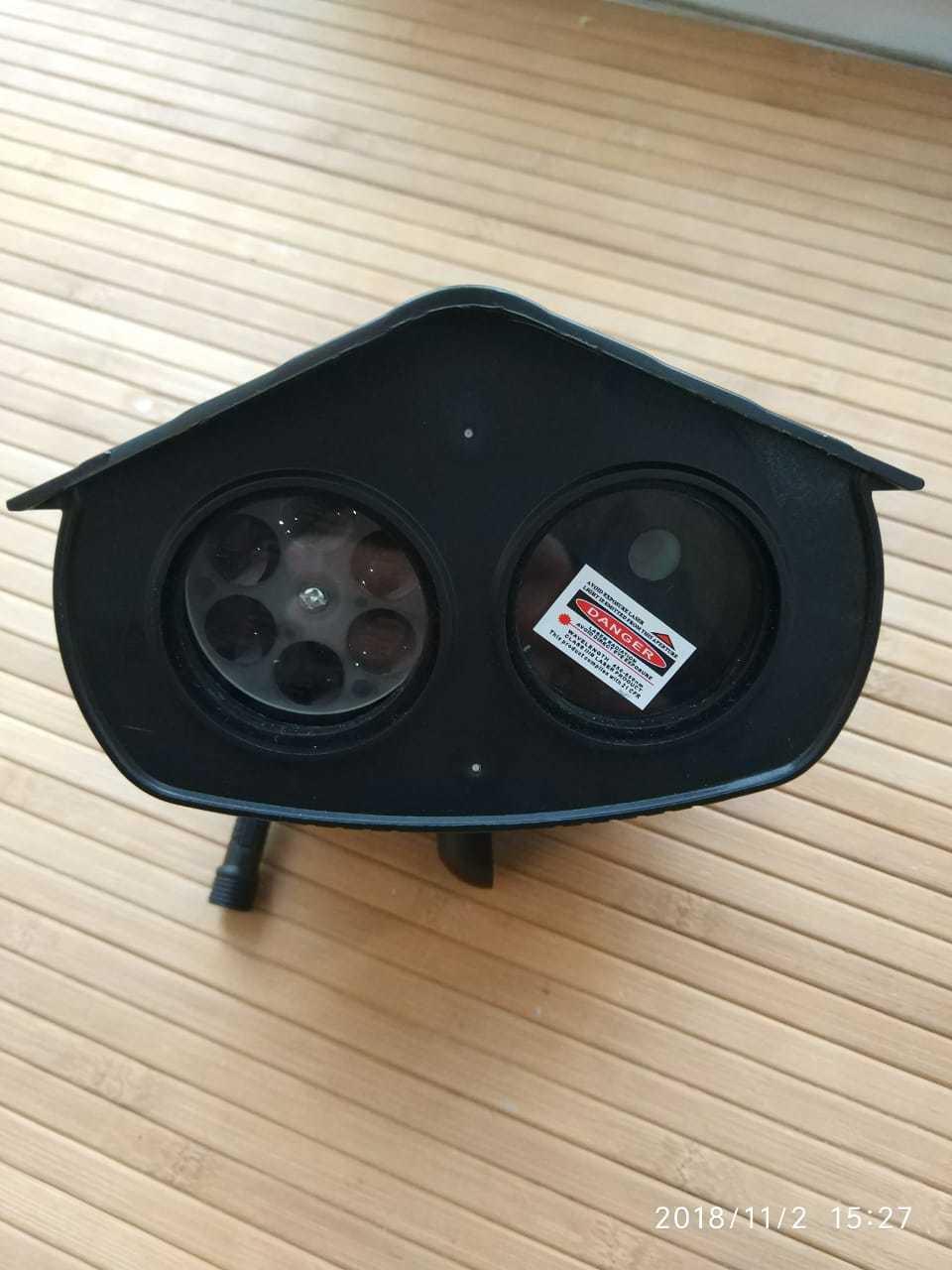 Лазерный проектор с двумя линзами.