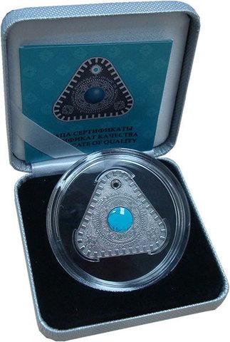 100 тенге 2017 год. Казахстан. Тумар Магические символы. Серебро
