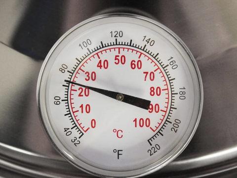 Дополнительный термометр домашнего пастеризатора Milky FJ15, встроенный в крышку