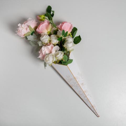 Конус для цветов «Цветы» 31,8 х 44 см