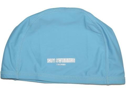 Шапочка для плавания тканевая. Безразмерная, взрослая. Вставка эргономично придает форму шапочке. Сочетание полиамида и эластомера делает ткань эластичной и прочной одновременно. Полиэтиленовая упаковка. AL-1117-ц  (Голубой)