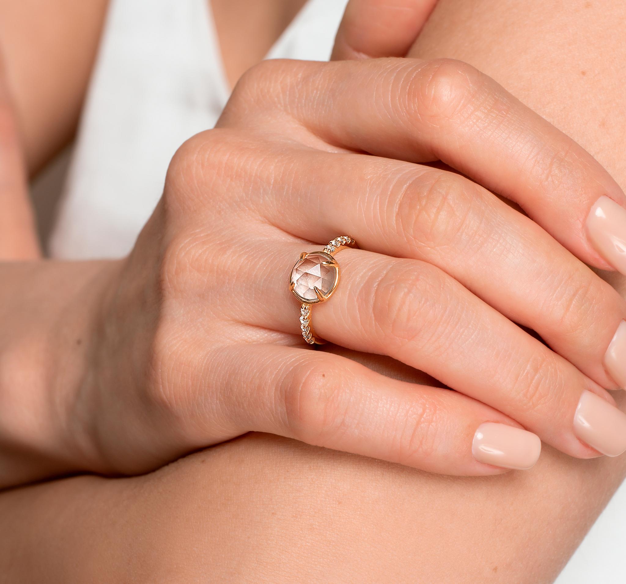 Кольцо с белыми топазами в позолоте от BLAGENA