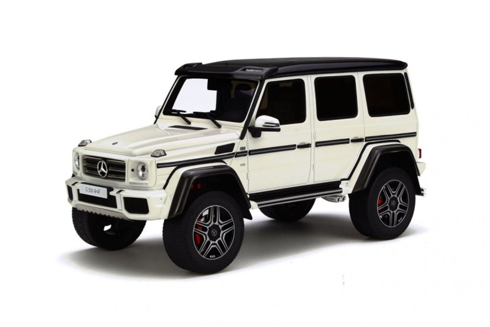 Коллекционная модель Mercedes-Benz Gelandewagen G500 4x4² 2016 White/Black