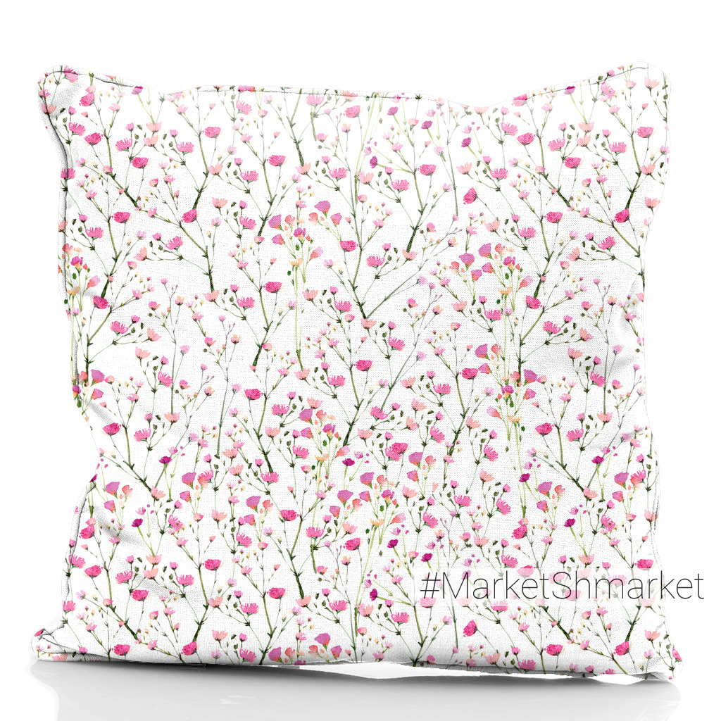 Маленькие розовые цветы гипсофилы