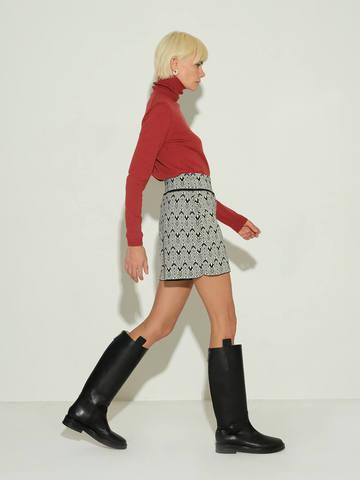 Женские шорты молочного цвета из шерсти и шелка - фото 2