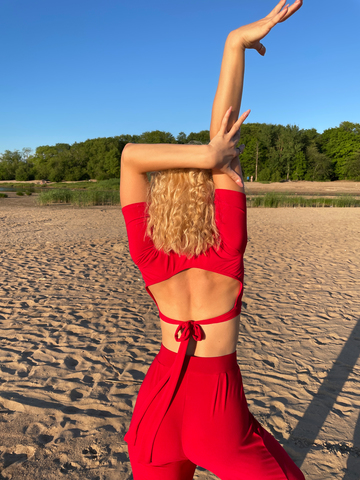 Топ для танцев с открытой спиной